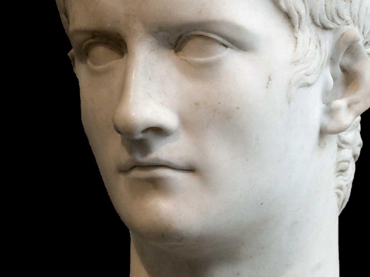 caligola imperatore